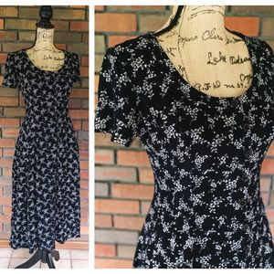 Nostalgia Vintage Maxi Dress